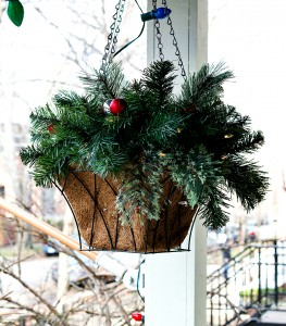 Christmas Decor Outdoors & A Giveaway!