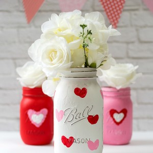Valentine Day Craft Ideas with Mason Jars: Thumbrint Heart Jars