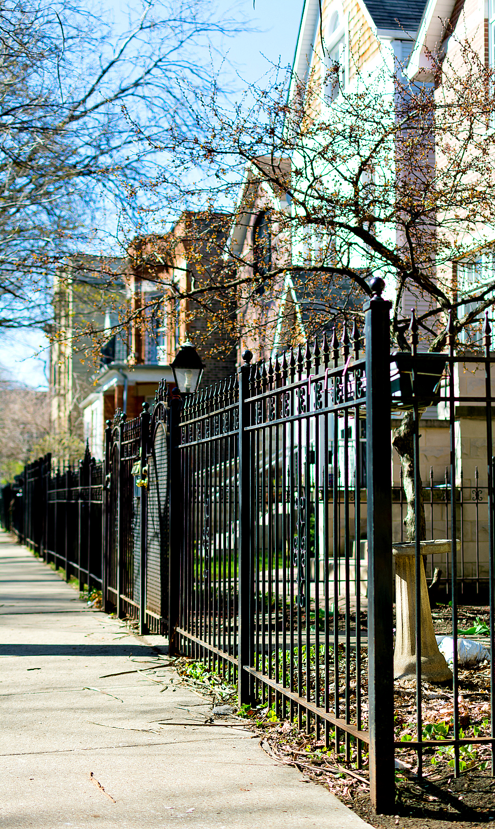 Iron Fences in Chicago Lakeview Neighborhood