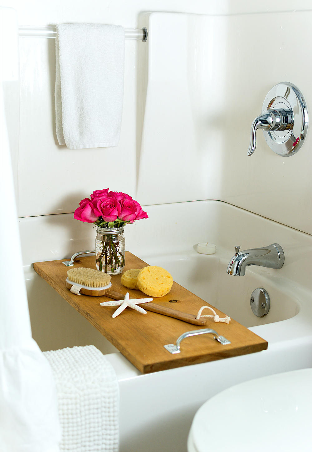 shower-bath-diy-makeover-ideas bath caddy (4 of 5)