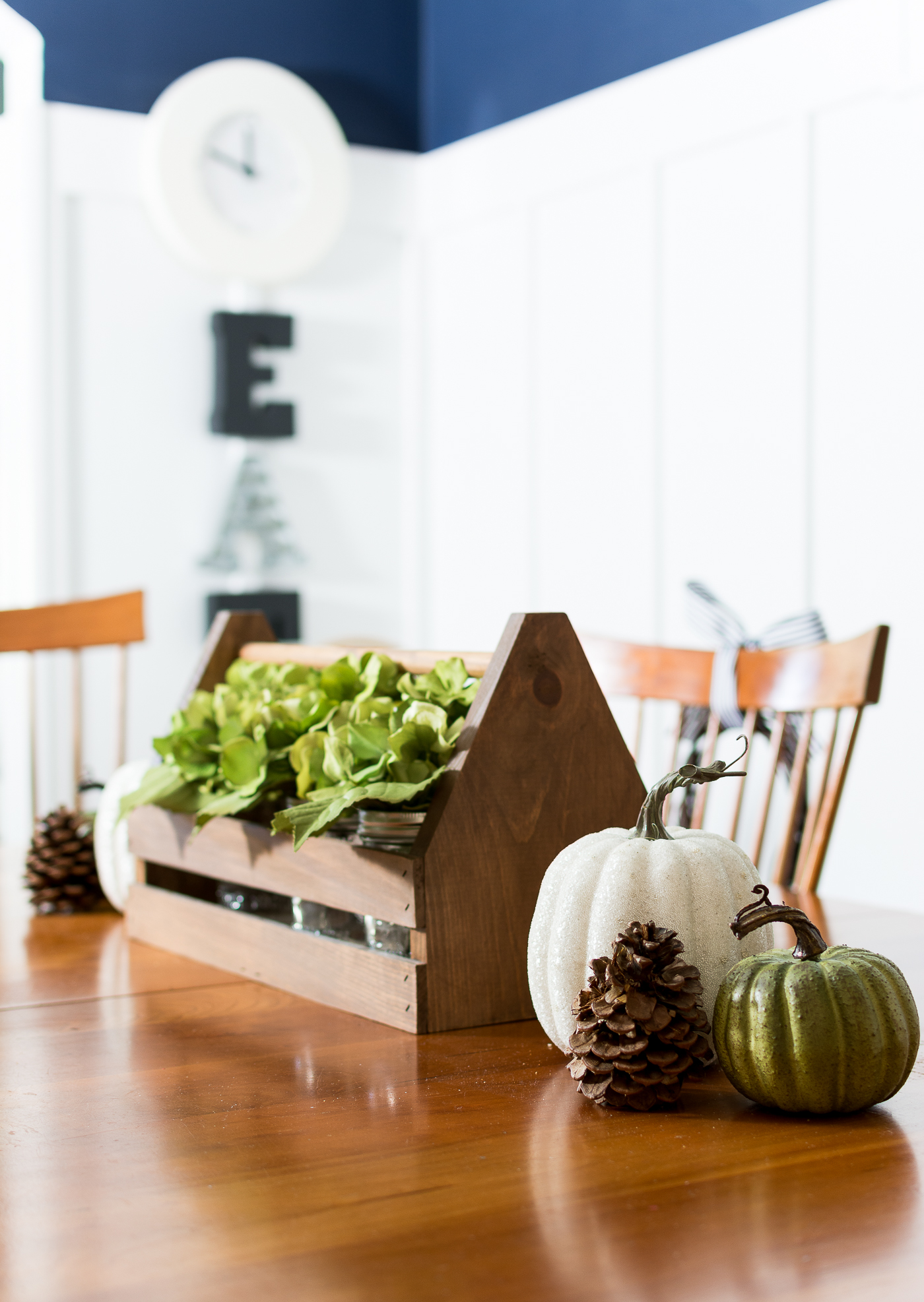 fall-centerpiece-ideas-dining-table-itallstartedwithpaint-com-12
