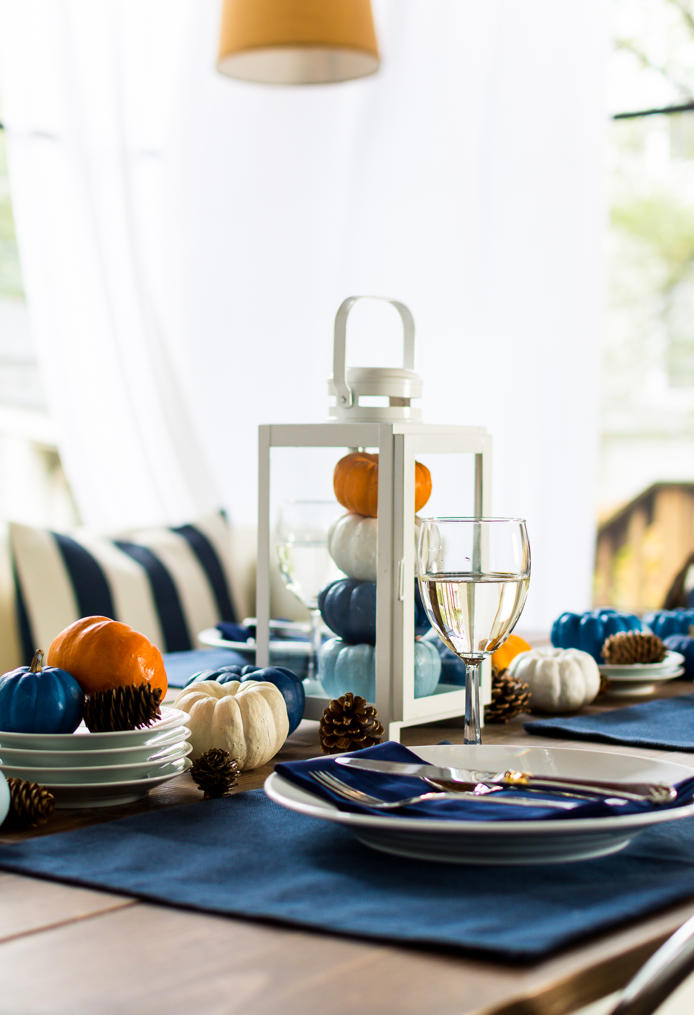 thanksgiving-table-setting-idea-navy-blue-white-orange-with-gallo-wine-pinot-grigio-itallstartedwithpait-com-20