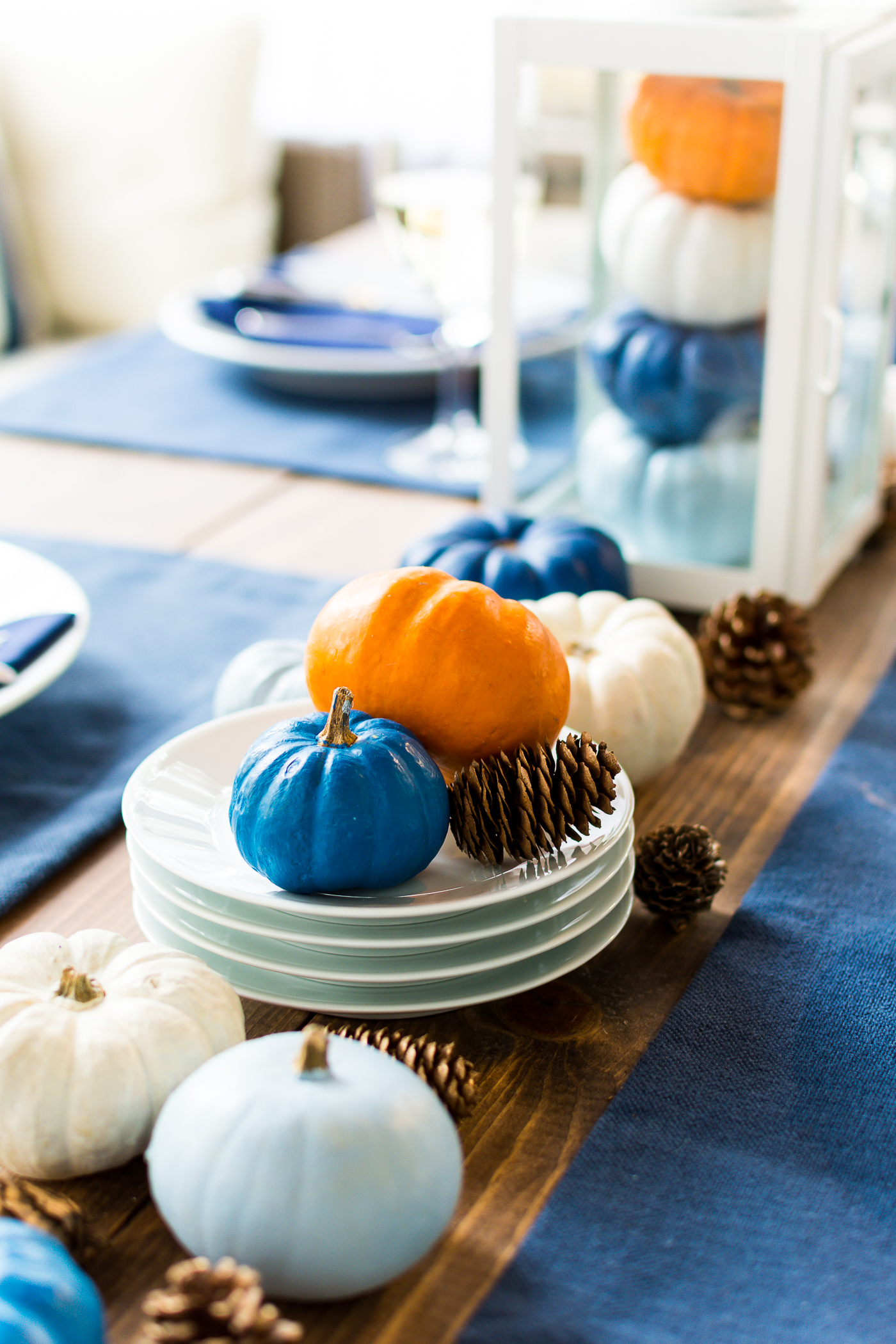 thanksgiving-table-setting-idea-navy-blue-white-orange-with-gallo-wine-pinot-grigio-itallstartedwithpait-com-25