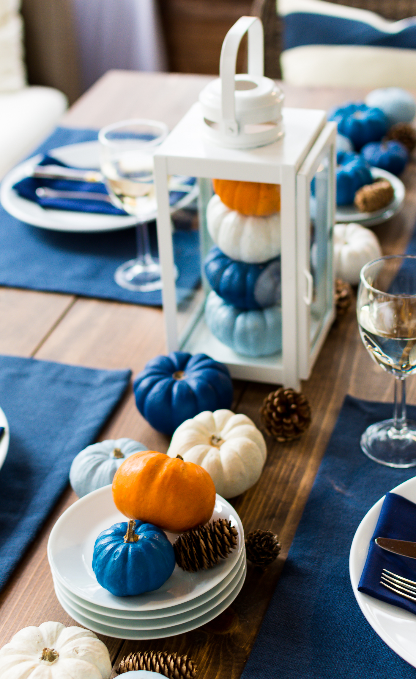 thanksgiving-table-setting-idea-navy-blue-white-orange-with-gallo-wine-pinot-grigio-itallstartedwithpait-com-33