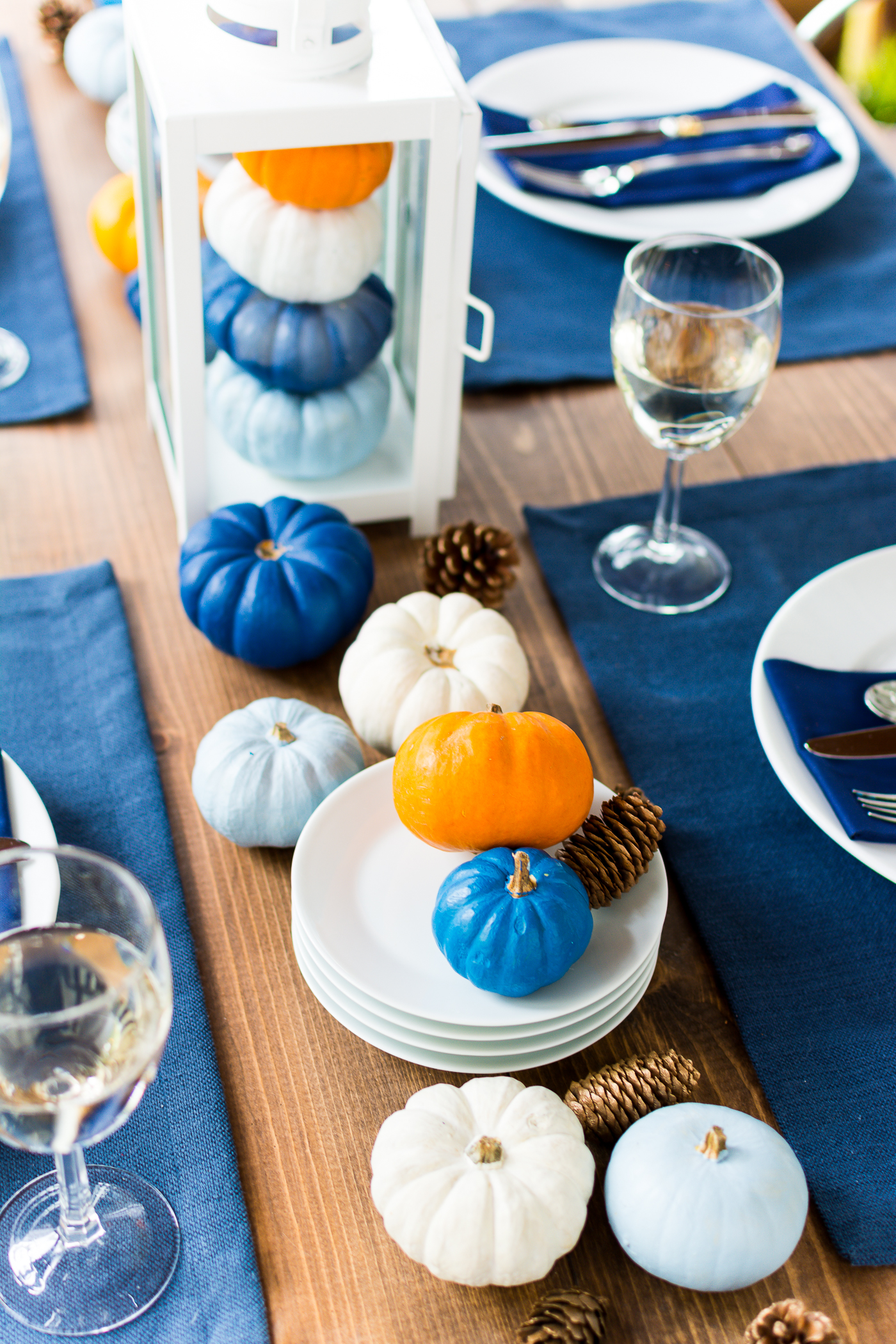 thanksgiving-table-setting-idea-navy-blue-white-orange-with-gallo-wine-pinot-grigio-itallstartedwithpait-com-35