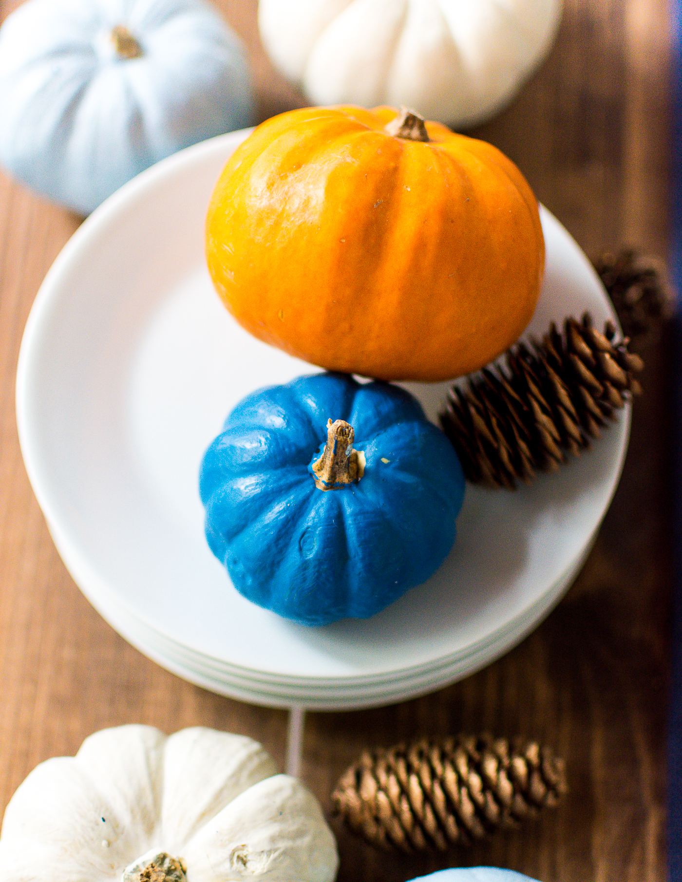 thanksgiving-table-setting-idea-navy-blue-white-orange-with-gallo-wine-pinot-grigio-itallstartedwithpait-com-68
