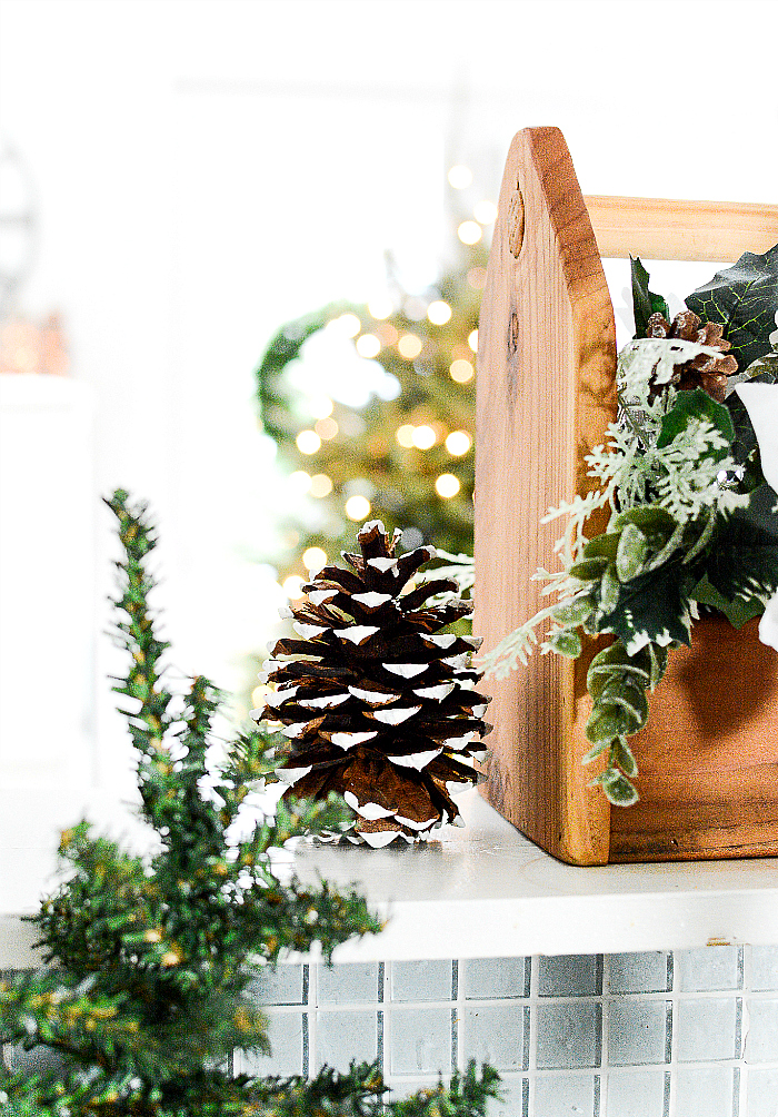 Christmas in the Kitchen with Mini Wreaths