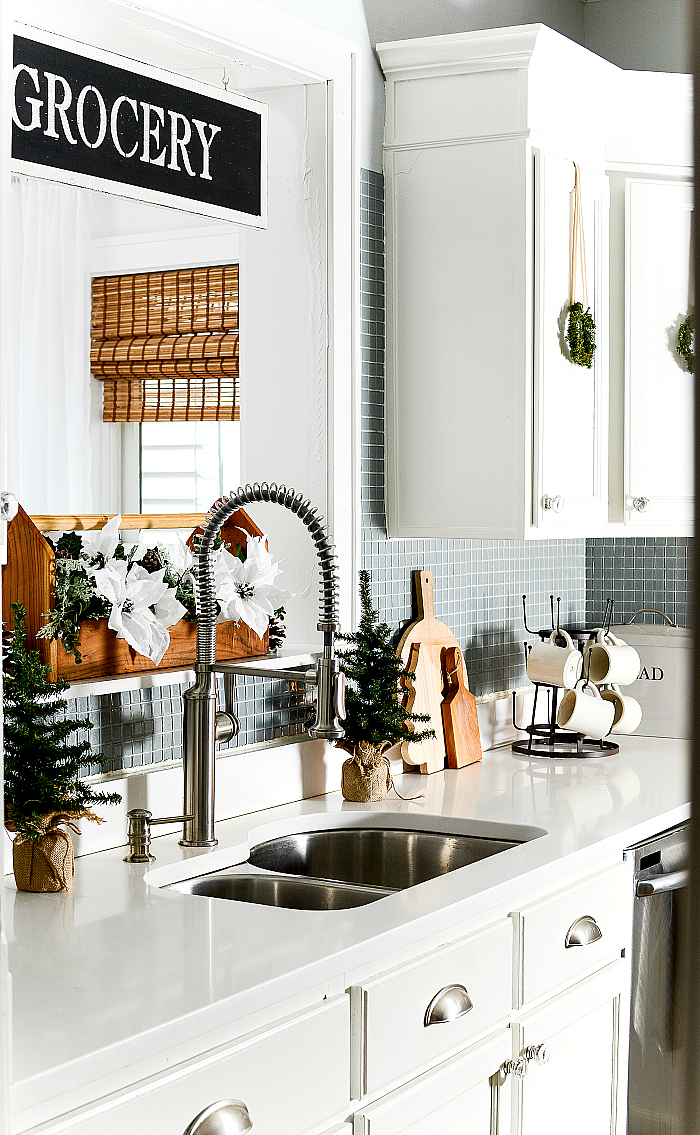 Holiday Decorating Ideas in Kitchen