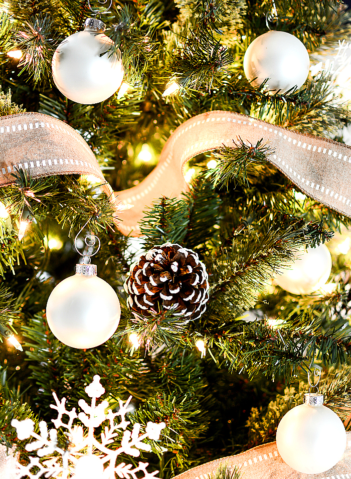christmas tree with ribbon - Pine Cone Christmas Tree Decorations