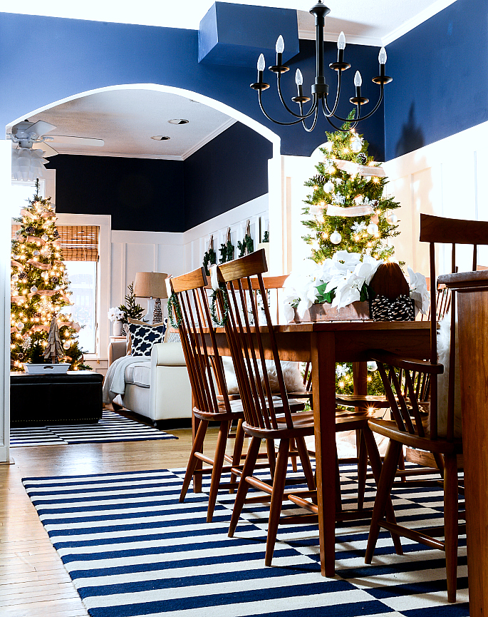 christmas-decorating-ideas-neutral-burlap-white-navy-rustic-dining-room-it-all-started-with-paint-4-of-17