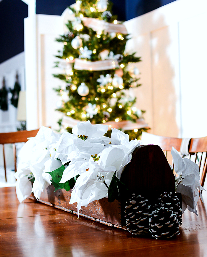 christmas-decorating-ideas-neutral-burlap-white-navy-rustic-dining-room-it-all-started-with-paint-6-of-17