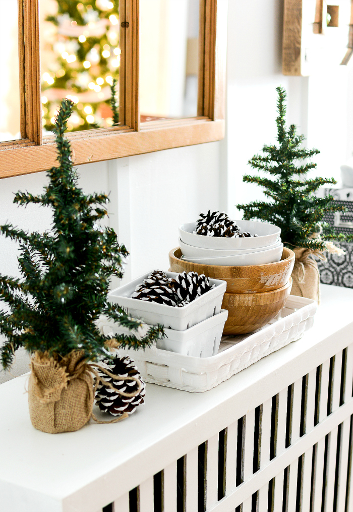 christmas-decorating-ideas-neutral-burlap-white-navy-rustic-dining-room-radiator-it-all-started-with-paint-3-of-5