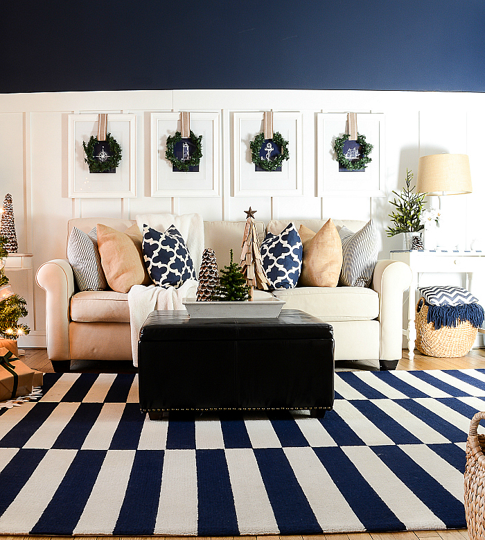 10 White Rustic Rooms: Christmas-decorating-ideas-neutral-burlap-white-navy
