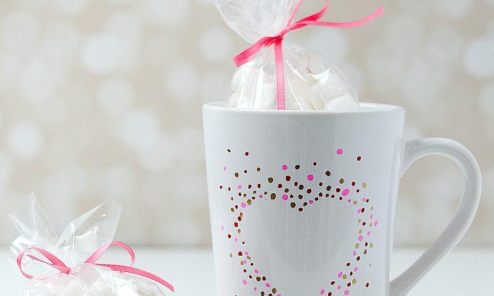 Valentine Gift Idea - Heart Mug @www.itallstartedwithpaint.com