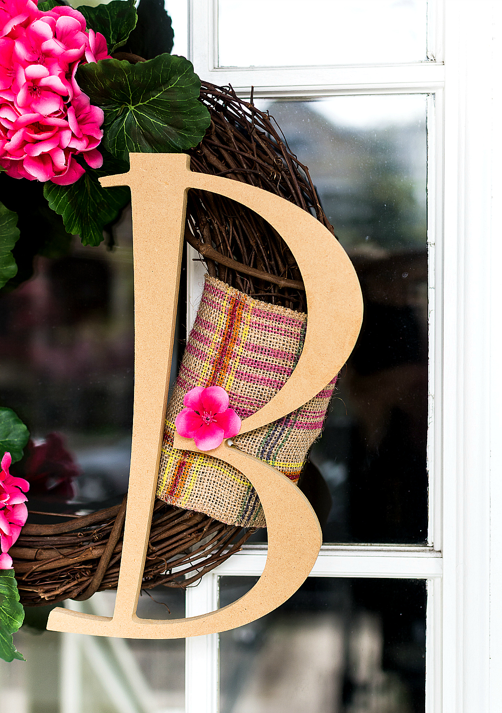 Monogram Wreath Ideas for Spring with Geraniums - DIY Tutorial