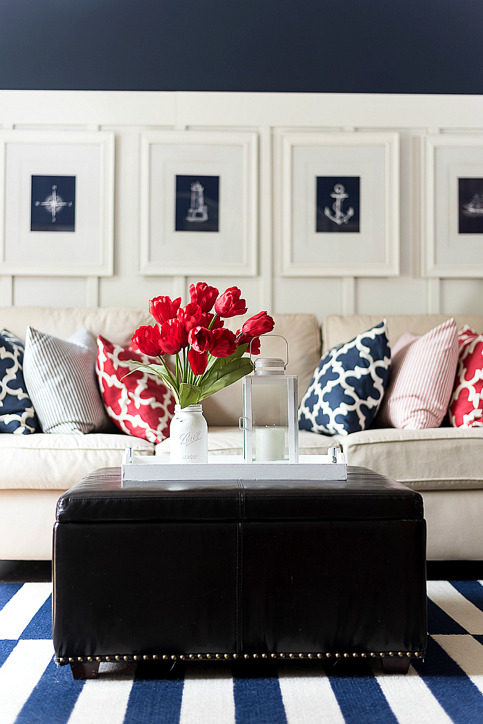 Red white and blue room decor home decorating ideas for Red and blue living room ideas
