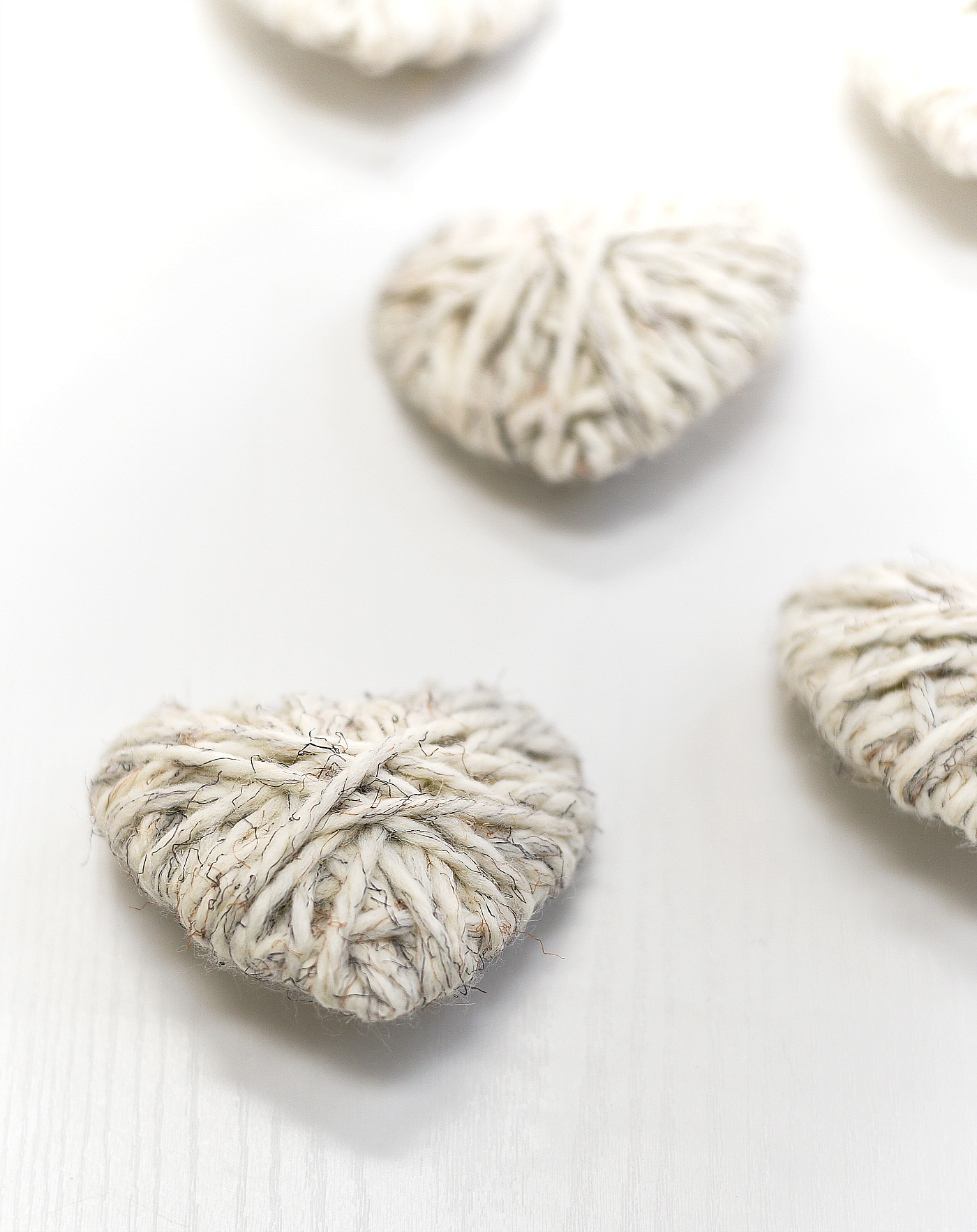 Yarn Wrapped Hearts - Valentine Day Craft Ideas