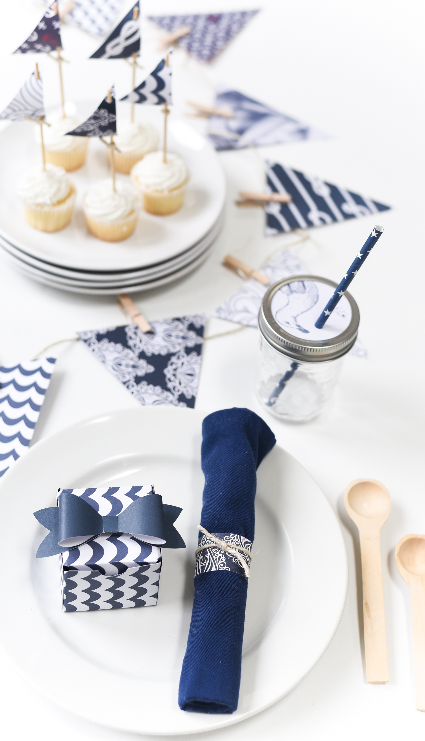Summer Nautical Navy And White Party Ideas with Paper - It