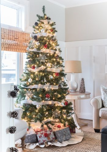 Christmas Tree in Gray, White, Red