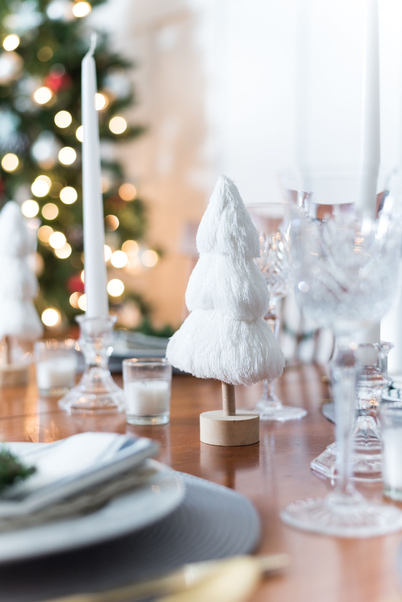 Christmas Table Setting in Gray and Whites