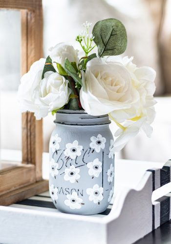 White Poppy Painted Mason Jar - Painted Mason Jar Craft Ideas - Painted flowers on Mason Jars - How to Paint a Poppy - Easy Poppy Painting Tutorial - DIY Mason Jar Craft @It All Started With Paint