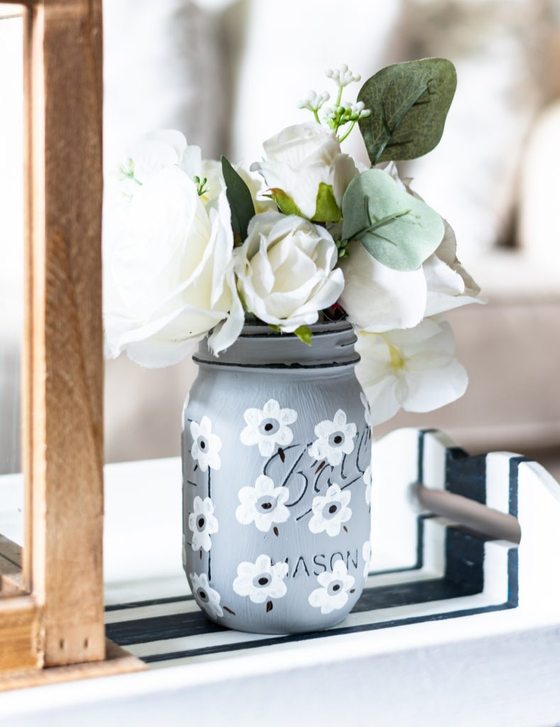 White Poppy Painted Mason Jar - Painted Mason Jar Craft Ideas - Easy How To Paint Poppies - Easy Mason Jar Crafts - Painting Flowers on Mason Jars