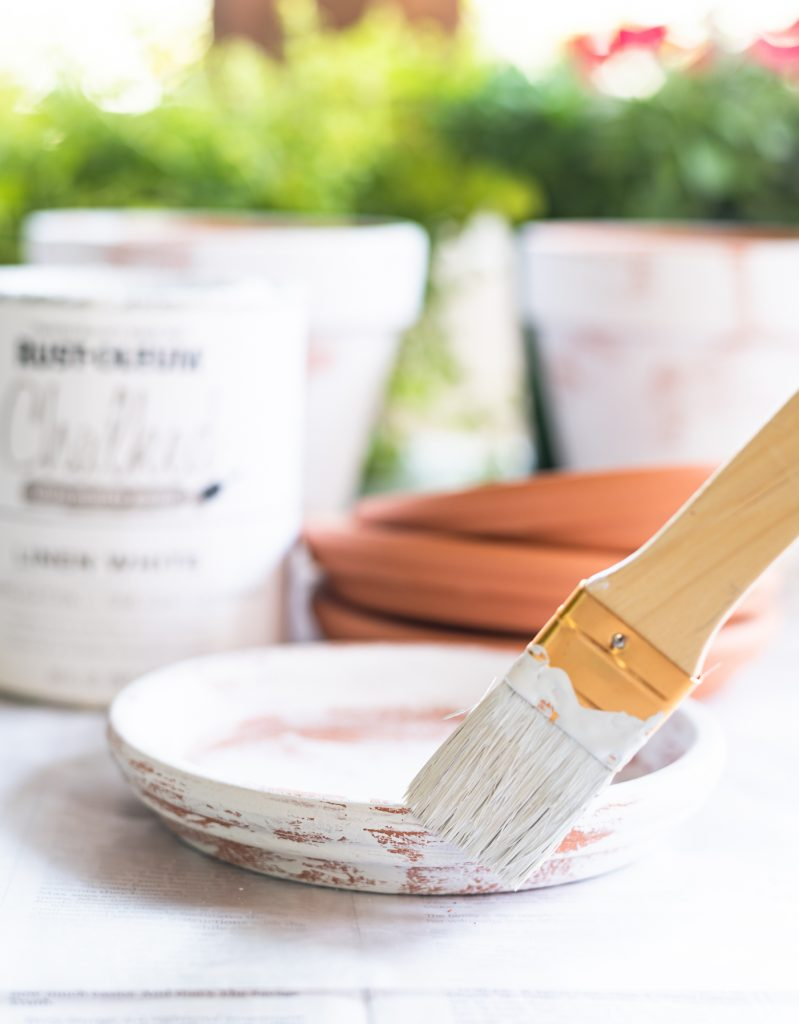 How to age flower pots with chalk paint