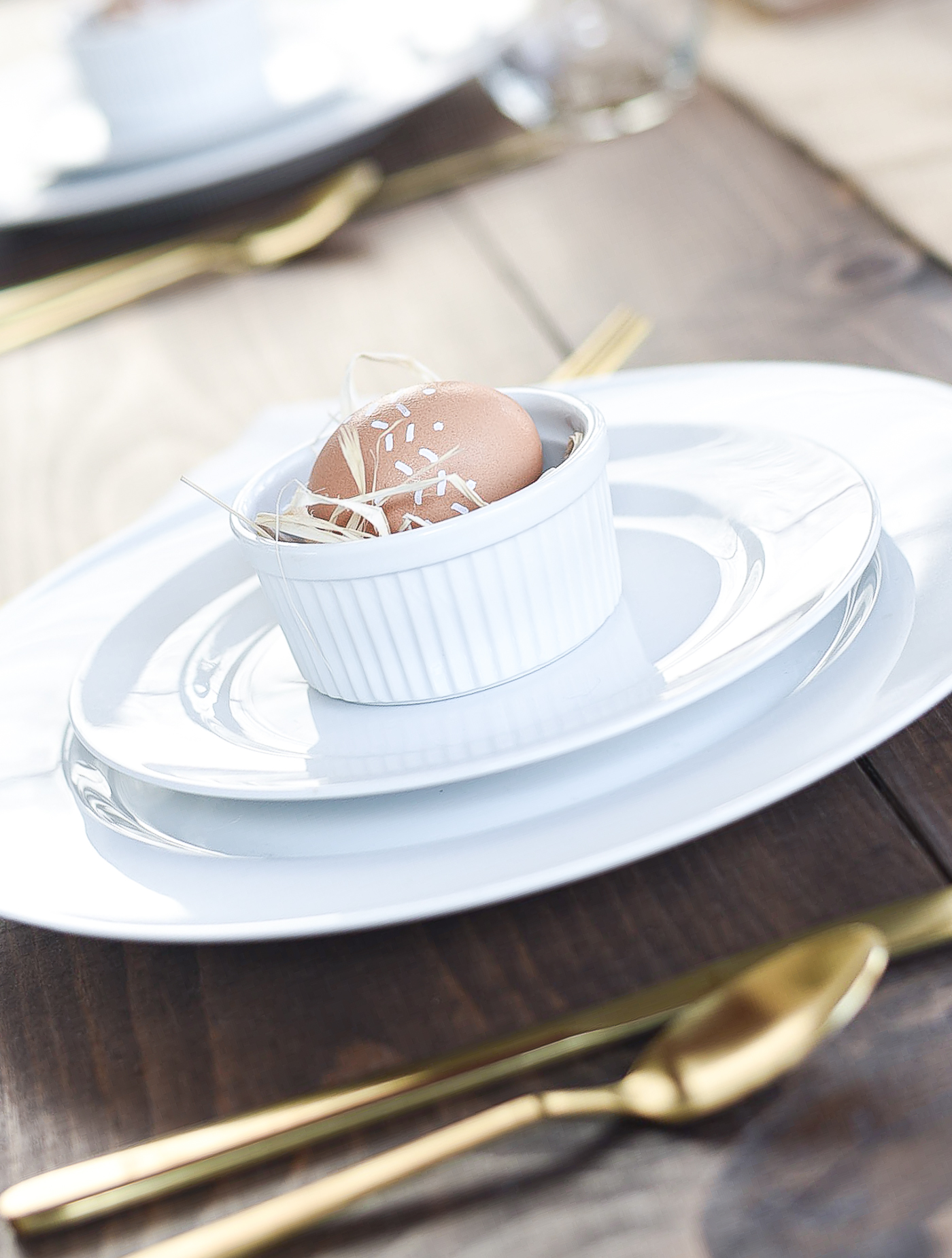 Easter Table Setting Idea - Neutral Easter Table in Brown, Beige, Burlap, White.