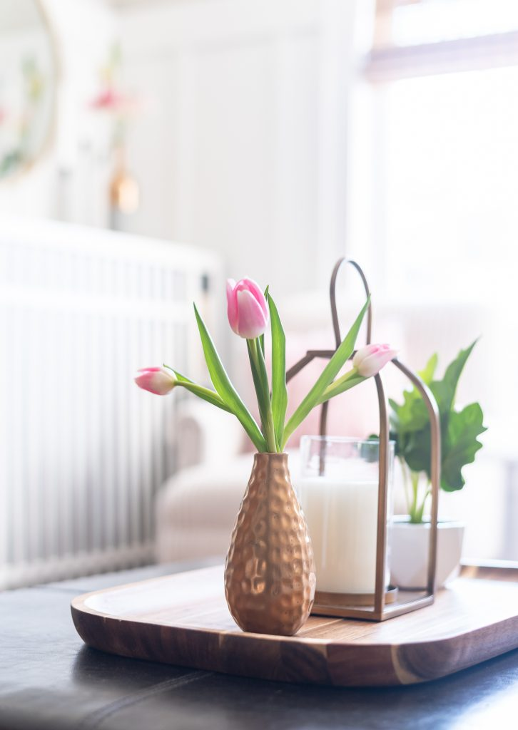 Spring decorating ideas in pink and gray.